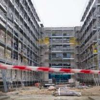 (Construction de logements sociaux à L'Hay-les-Roses, Val-de-Marne). AFP/FRED DUFOUR